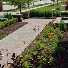 Traditional Landscape by Creative Stone Landscaping