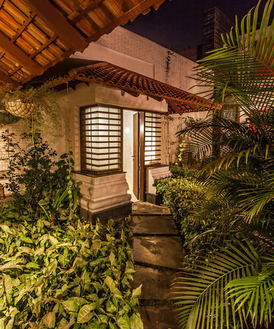 Asian Garden by Kumar Moorthy & Associates