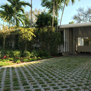 Mid Century Modern Ranch Style House Landscaping Ideas Houzz