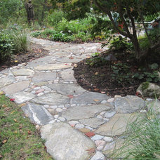 Eclectic Landscape by Blue Stone Masonry