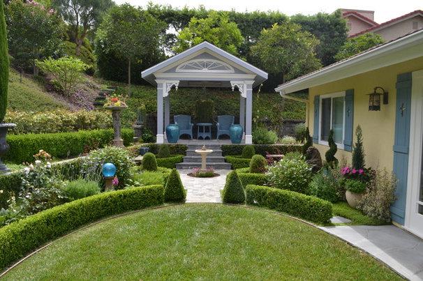 Traditional Landscape by Remington Construction Services