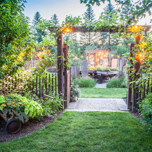 Inspiration for a traditional full sun gravel garden path in Cleveland.
