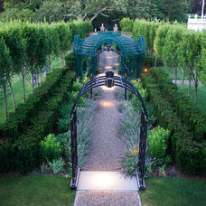 Traditional Landscape by Couture Design Associates