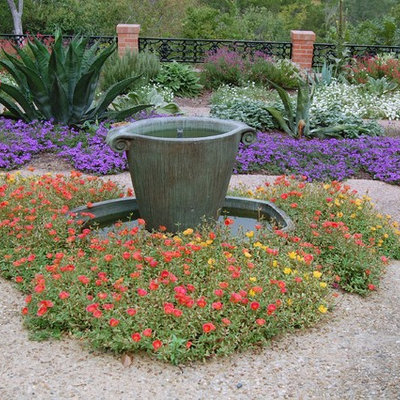 Photo of a traditional water fountain landscape in Austin.