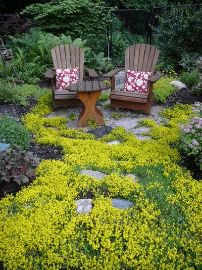 Classique Jardin by Candace Mallette Landscape & Garden Design