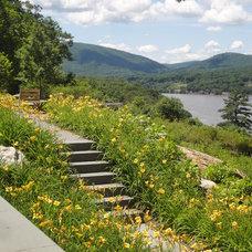 Traditional Landscape by Rader + Crews