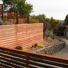Contemporary Landscape by Pacific Circle, Inc.