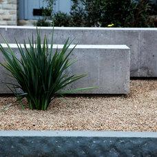 Modern Landscape by Chris Corbett Design