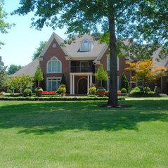 Gurley 39 s azalea garden memphis tn us 38115 for Classic home designs collierville tn