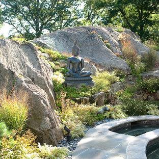 Design ideas for an asian hillside landscaping in New York.