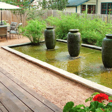 Contemporary Landscape by Glasco & Co. Landscaping, Inc.