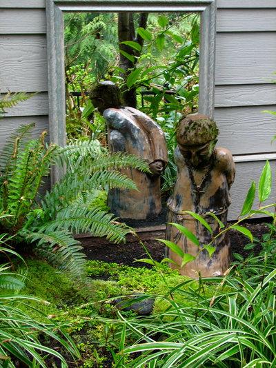 Tendances : Accrochez un miroir dans votre jardin !