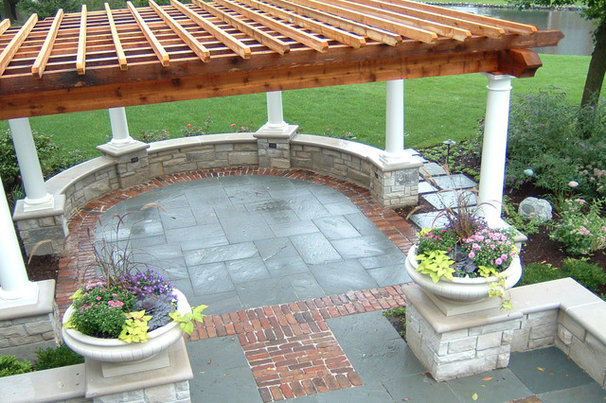 Traditional Patio by CB Conlin Landscapes