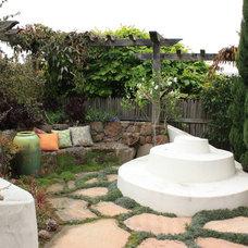Eclectic Landscape by Goodman Landscape Design