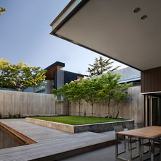 Modern Landscape by E. Cobb Architects