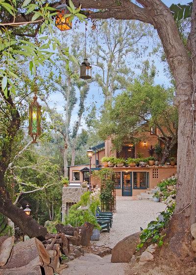Mediterranean Landscape by Hayne Interior Design