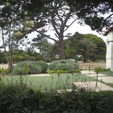 Eclectic Landscape by Jeffrey Gordon Smith Landscape Architecture