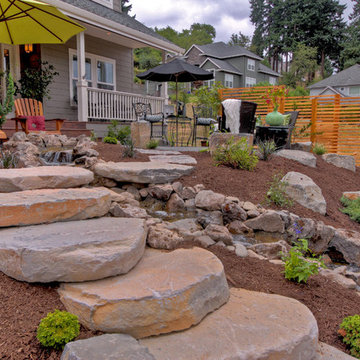 Gravel Courtyad - Water fall - Slab stone steps - privacy screens
