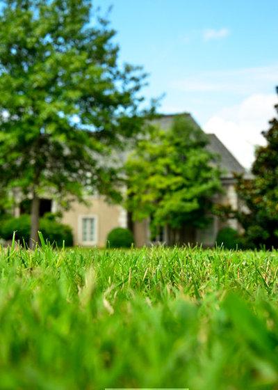 Farmhouse Landscape by GreenPal Lawn Care
