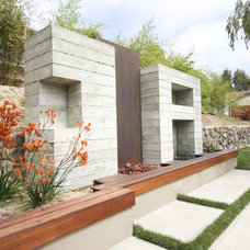 Contemporary  by Grounded - Richard Risner RLA, ASLA