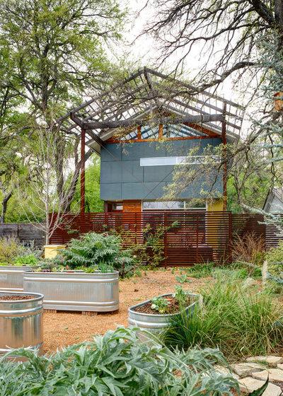 Contemporary Landscape by A.GRUPPO Architects - Dallas