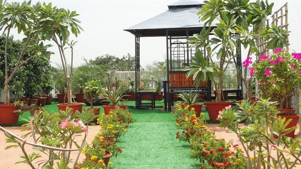 Tropical Garden by PERIKALI