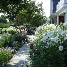 Traditional Landscape by Lear & Mahoney Landscape Associates