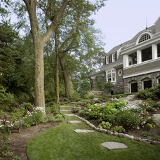 Traditional Landscape by Oak Hill Architects