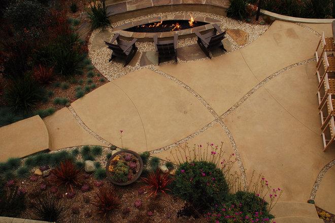Contemporary Landscape by Stout Design-Build