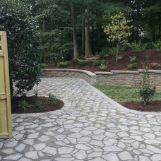 Traditional Landscape by RB LANDSCAPING LLC