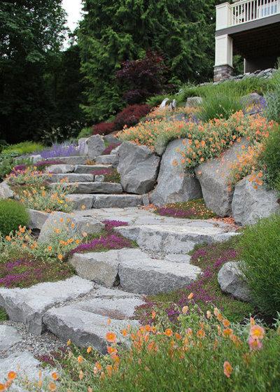 Классический Сад by Bliss Garden Design, LLC
