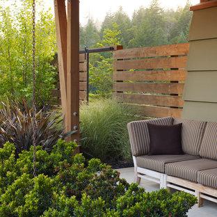 Foto di un giardino chic dietro casa