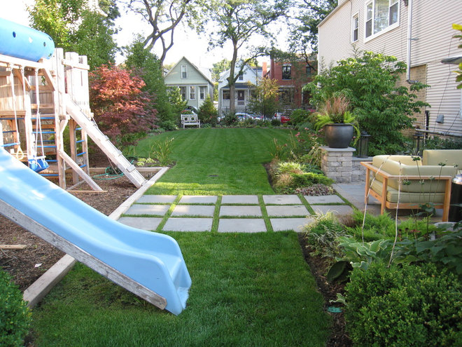 Traditional Landscape by Heffernan Landscape Design