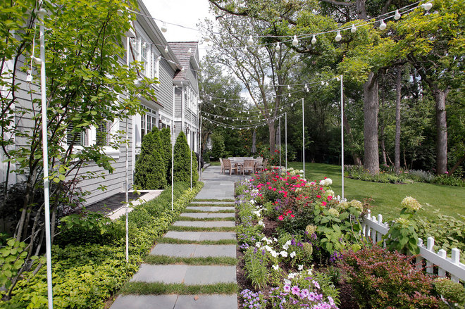 Traditional Landscape by Highgate Builders