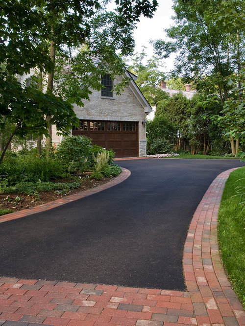 Courtyard driveway design ideas renovations photos for Courtyard driveway house plans