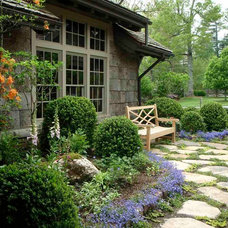 Traditional Landscape by Dargan Landscape Architects