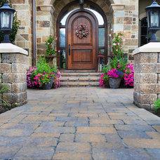 Traditional Entry by Platinum Landscape LLC