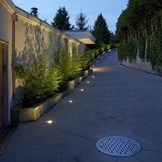 Contemporary Landscape by LOTOS Construction