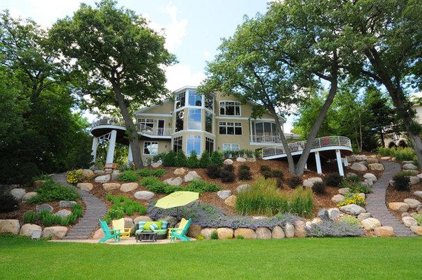 Traditional Landscape by NRD Landscape Design Inc.