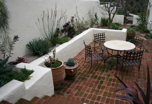 Get The Look Spanish Mediterranean Courtyard
