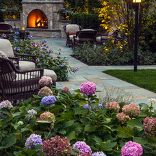 Traditional Landscape by Greenwise Landscaping & Lawn Services