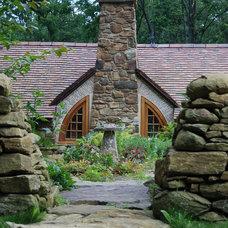 Rustic Landscape by Archer & Buchanan Architecture, Ltd.