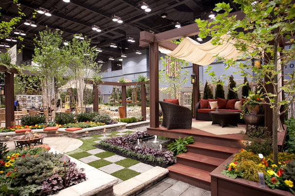Traditional Landscape by Tepe Landscaping Services