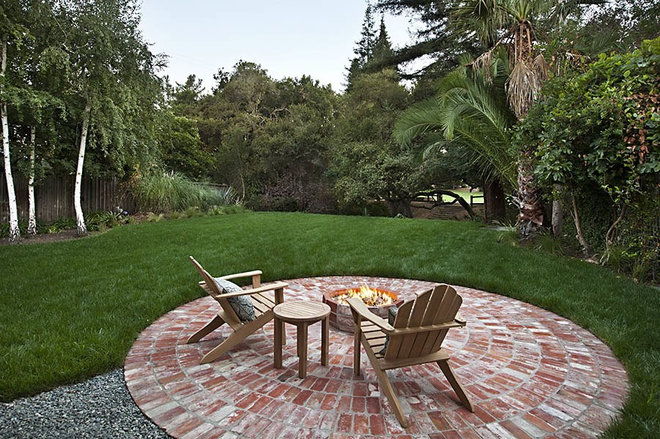 Traditional Landscape by James Witt Homes