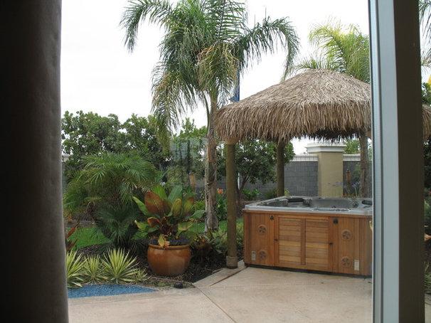 Tropical Landscape Hot Tub