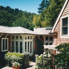 Traditional Landscape by Sutton Suzuki Architects