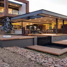 Contemporary Landscape by Nico van der Meulen Architects