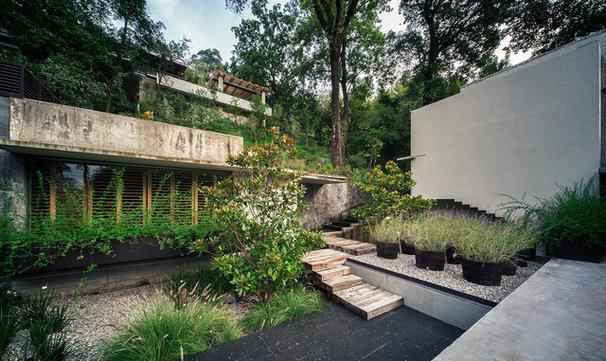 Modern Landscape by Eduardo Hernandez Ch. Architect / CHK Arquitectura