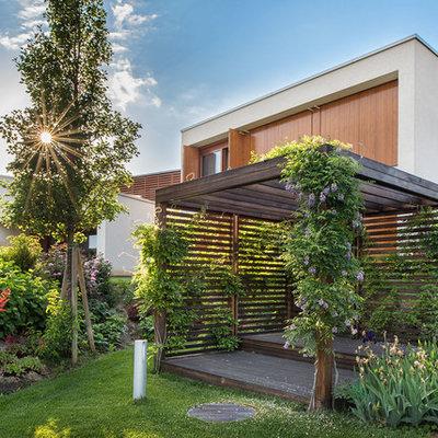 Inspiration for a contemporary full sun formal garden in New York.