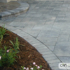 Traditional Landscape by Pacific Interlock Pavingstone